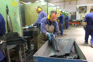 Manufakturen-Blog: INCOLMA Macheten aus Manizales Kolumbien Schleiferei (Foto: Martin Specht)