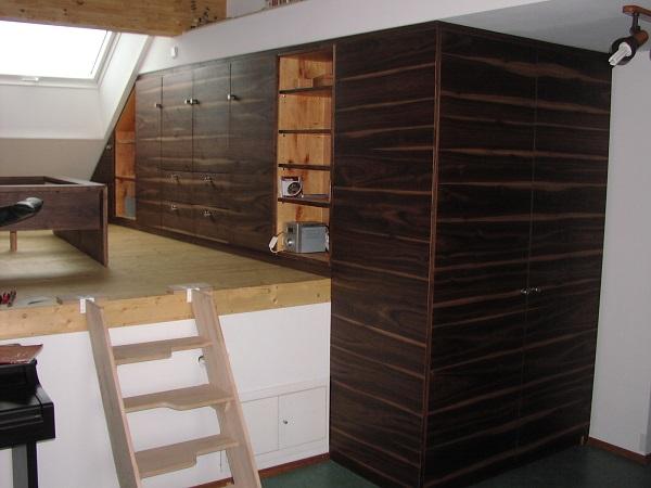 Schrnke Schlafzimmer mit Podest  manuform