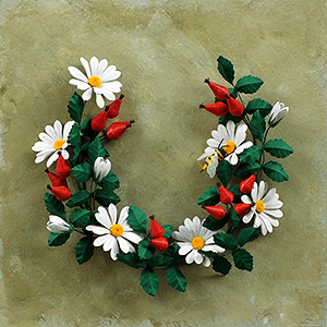 Quilled Daisies and Rose Hip - Open Wreath