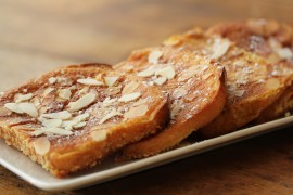 almond crusted French toast, manuka honey