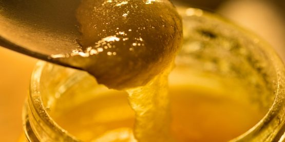 crystalized honey, raw honey