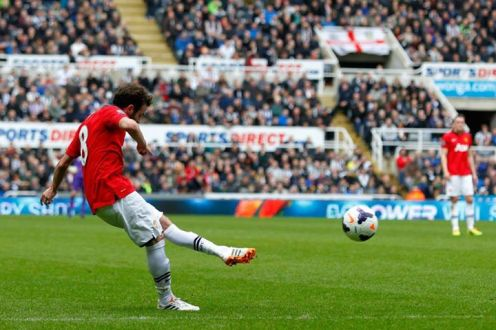 Mata scores his first against Newcastle - a sumptuous free kick