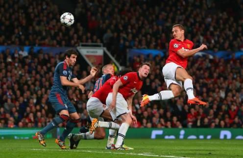 Vidic scores the first against Bayern Munich
