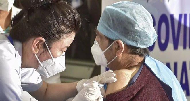 कोरोना वैक्सीनेशन के साइड इफ्केट के मामले