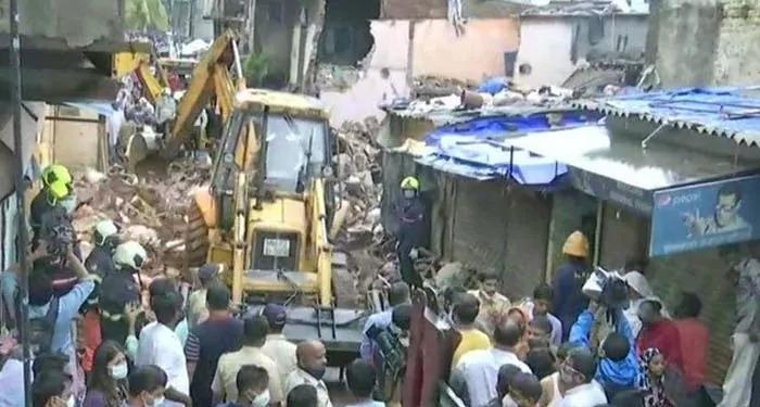 भारी बाारिश से मुंबई में इमारत गिरने का शिलसिला शुरू,