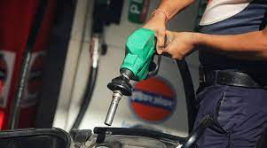 दिल्ली में फिर बढ़े पेट्रोल-डीजल के दाम, 2.99 रुपये महंगा हुआ पेट्रोल