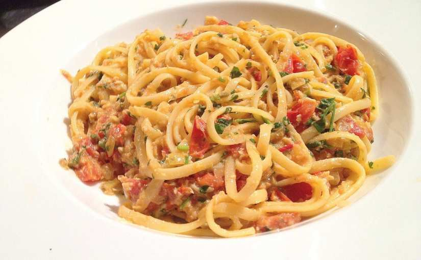 Delicious Crab Linguine with Chilli Recipe, seafood pasta with crab, seafood linguine with crab, Crab Linguine with Tomato and Chilli Recipe