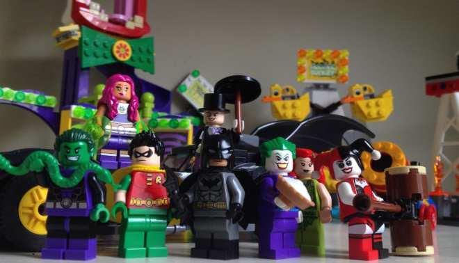 Batman, Robin, Beast Boy, Starfire, The Penguin, The Joker, Poison Ivy, Harley Quinn, LEGO, minifigs, minifigures, gift idea for girls