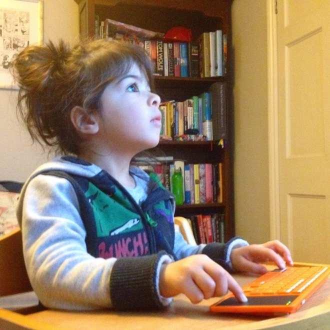 Girl coding, Kano