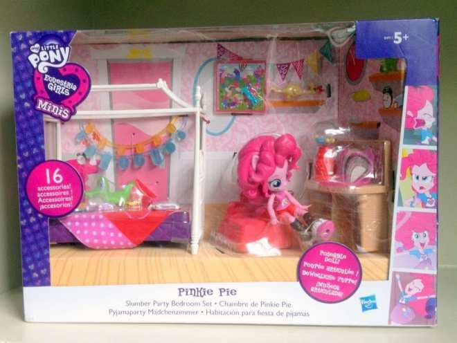 My Little Pony: Equestria Girls - Pinkie Pie Slumber Party Bedroom Set packaging