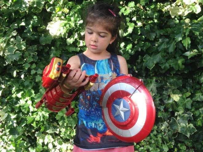 marvel-captain-america-civil-war-blaster-reveal-shield-ron-man-slide-armour