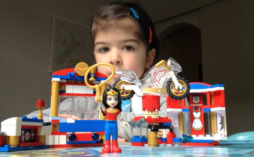 DC Super Hero Girls LEGO Wonder Woman Dorm Set (41235)
