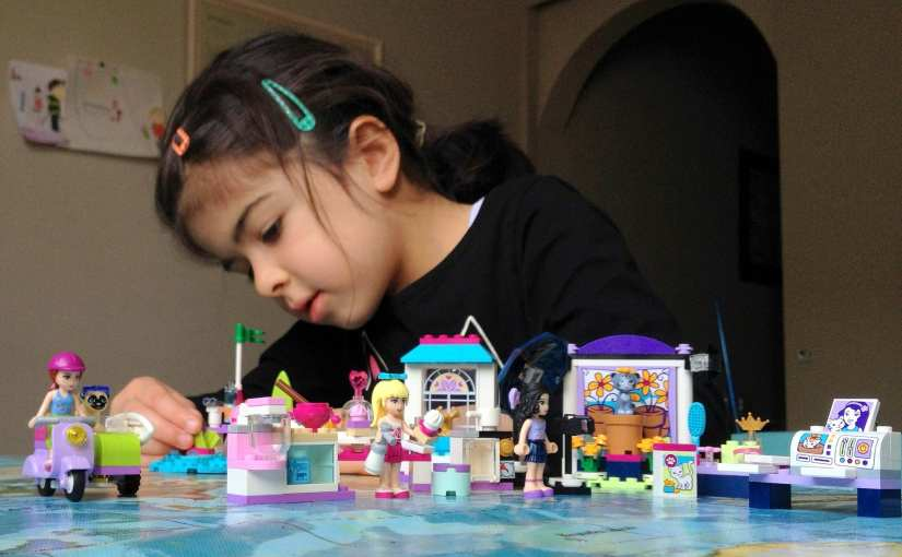 LEGO Friends – Emma's Photo Studio, Mia's Beach Scooter, Stephanie's Friendship Cakes