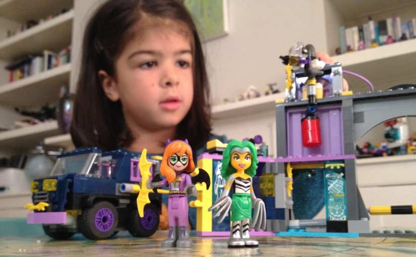 LEGO DC Super Hero Girls – Batgirl's Secret Bunker set