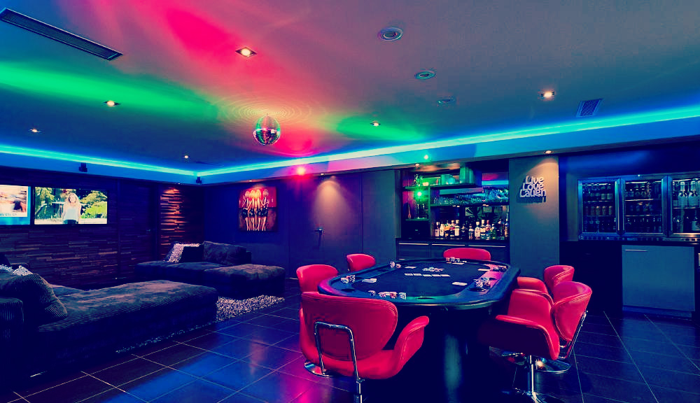 Man caves: Night Fever