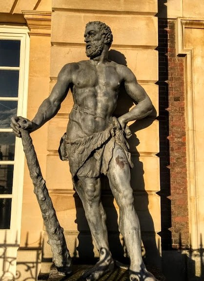 statute in the grounds of Hampton Court Palace