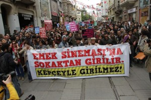 1365367138-emek-movie-theater-protestors-clash-violently-in-istanbul_1940262