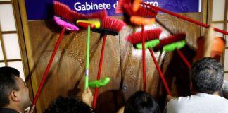 Funcionários do Ministério da Transparência 'limpam' gabinete de Silveira