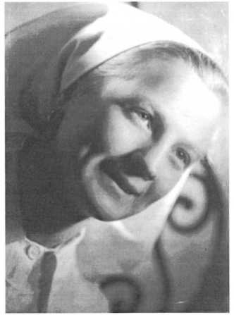 Siostra Bronia, zdjęcie z czasu wojennej służby w Wojskowym Korpusie Sióstr w Anglii.