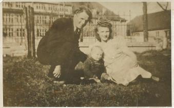 Antonina i Wojciech Sułkowscy z synem Ryszardem.