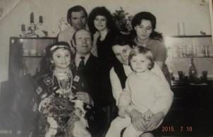 Wanda i Kazimierz Czerwińscy z rodziną