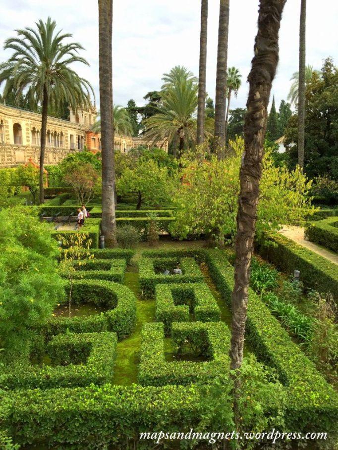alcazar-seville-maze