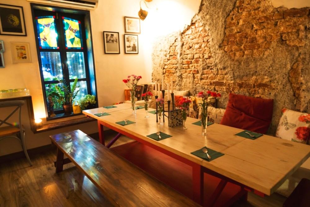 Cozy interiors at Lovefools, Mumbai