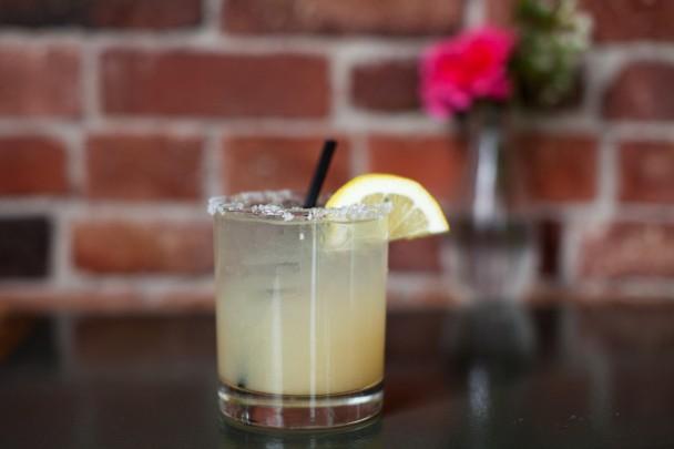 Salty-Dog-Cocktail-at-Sonny's