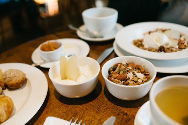 Breakfast-at-the-White-Hart-Inn