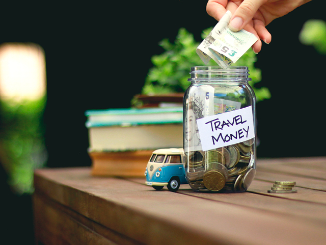 How to plan travel budget