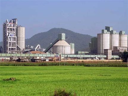 Nhà máy xi măng Sông Gianh - Quảng Bình