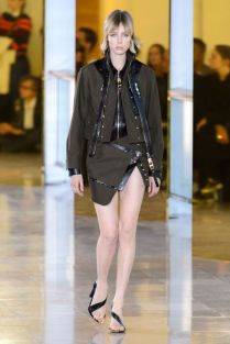 hbz-ss2016-trends-bombers-05-vaccarello-rs16-0873