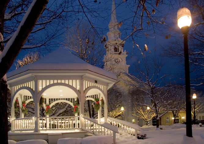 Best cities with Christmas decorations houses school