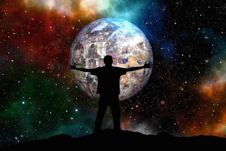 Silhouette tenant le monde entre ses mains