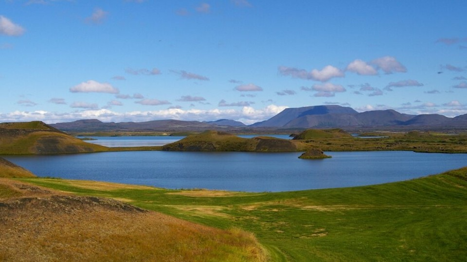 Lake Mývatn. Someone fly me to Iceland now, screw the whitewalkers. (Achim Herzog / Flickr)