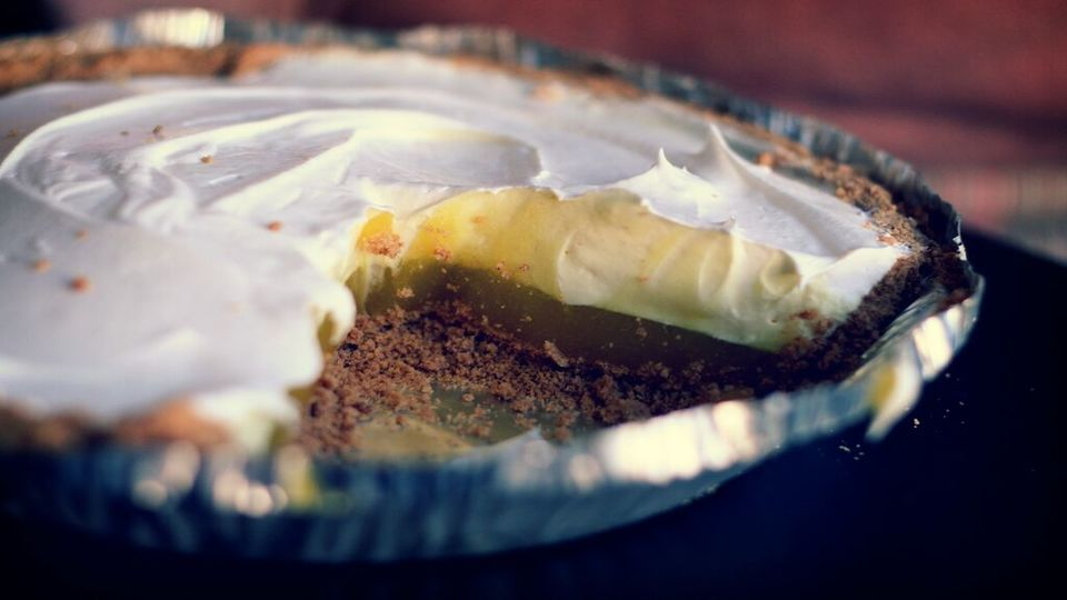How To Bring a Pumpkin Pie on the Plane via @maphappy