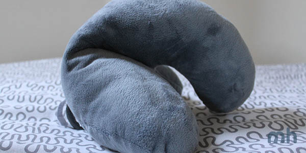 Review: The Bulky J-Pillow Is Comfy, Not Portable via @maphappy