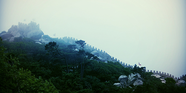 The Sintra covered in fog. (Edna Winti / Flickr)