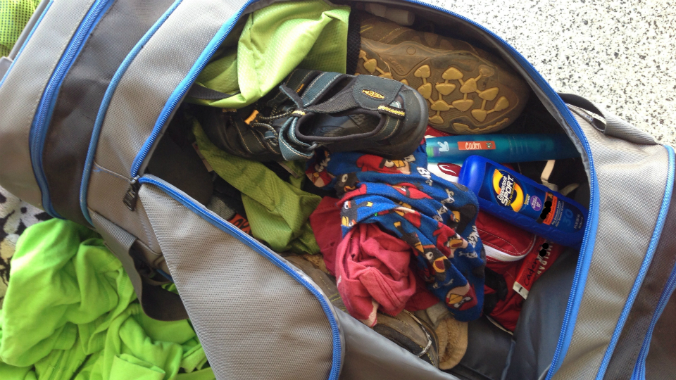 Duffels are basically suitcases with terrible weight distribution. (AngryJulieMonday / Flickr)