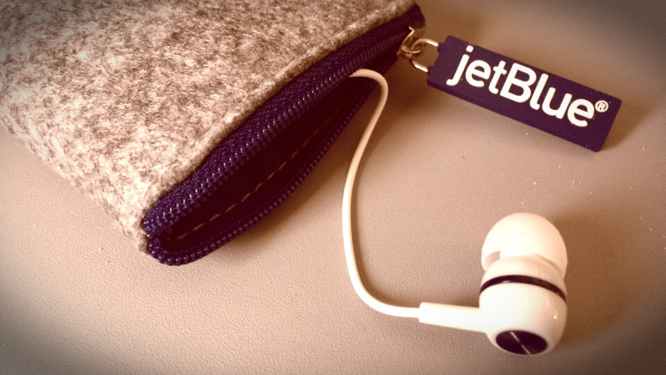 That One Time You Forgot Headphones for the Plane Ride via @maphappy