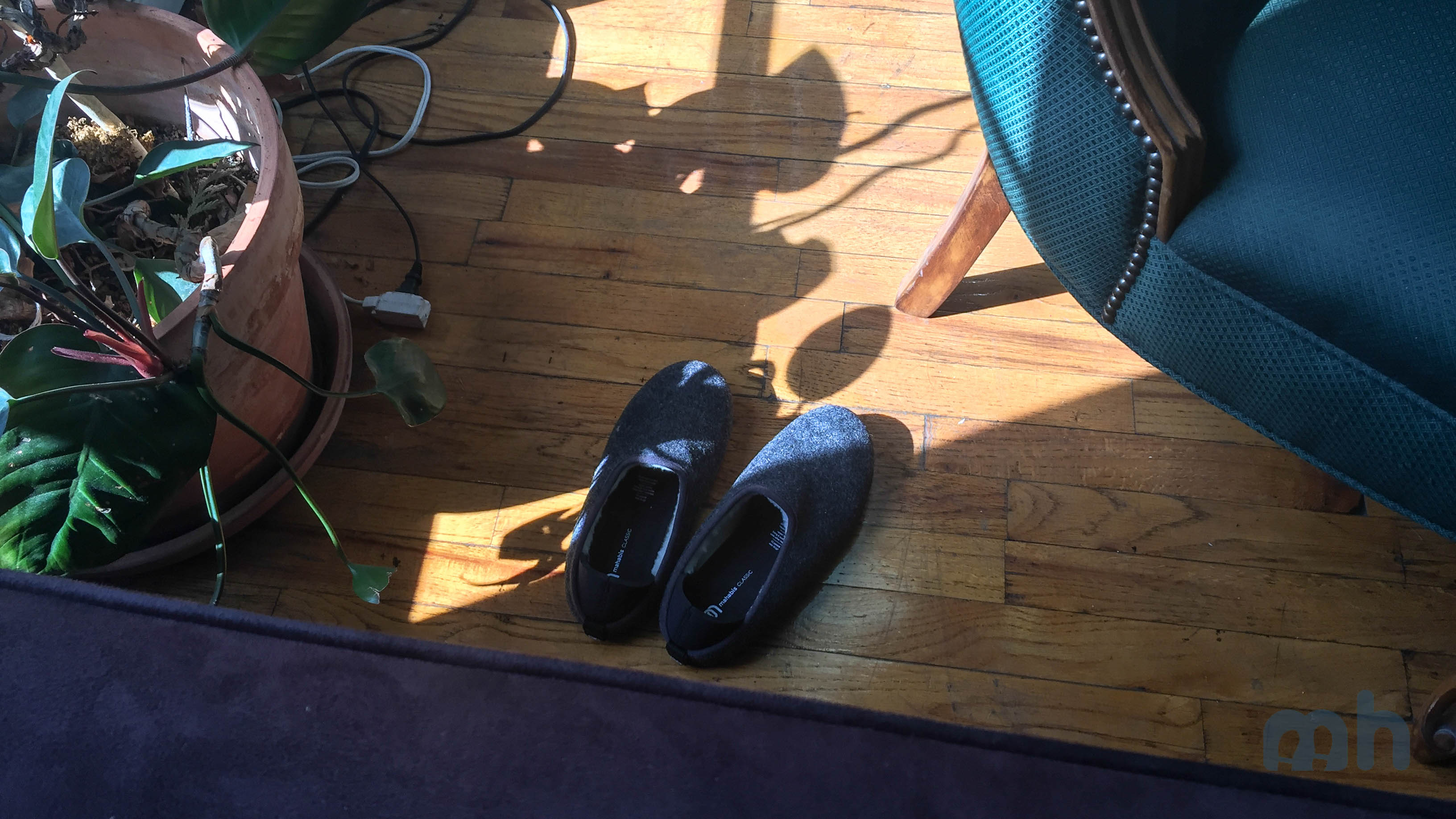 For a Price, These Mahabis Slippers Travel from Indoors to the Outside via @maphappy