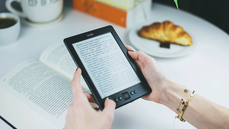 How To Manually Update an Amazon Kindle via @maphappy