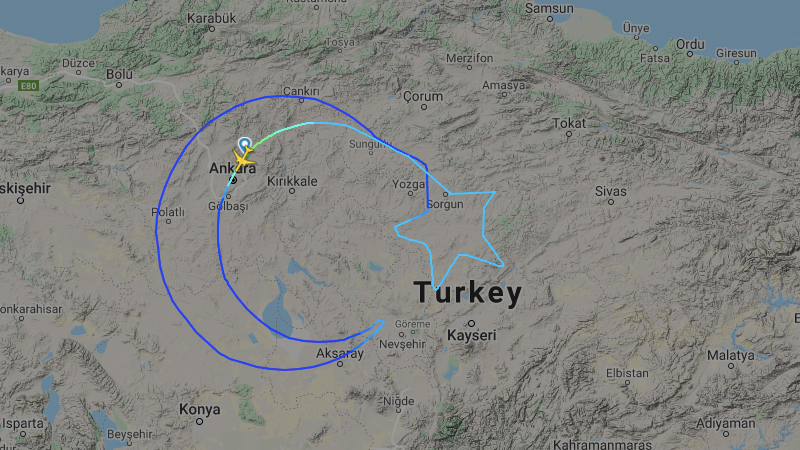 Turkish Airlines Flight Draws Their National Flag In the Sky via @maphappy