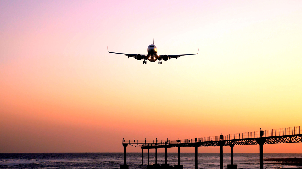 Here's What To Expect If You're Flying During COVID-19 via @maphappy