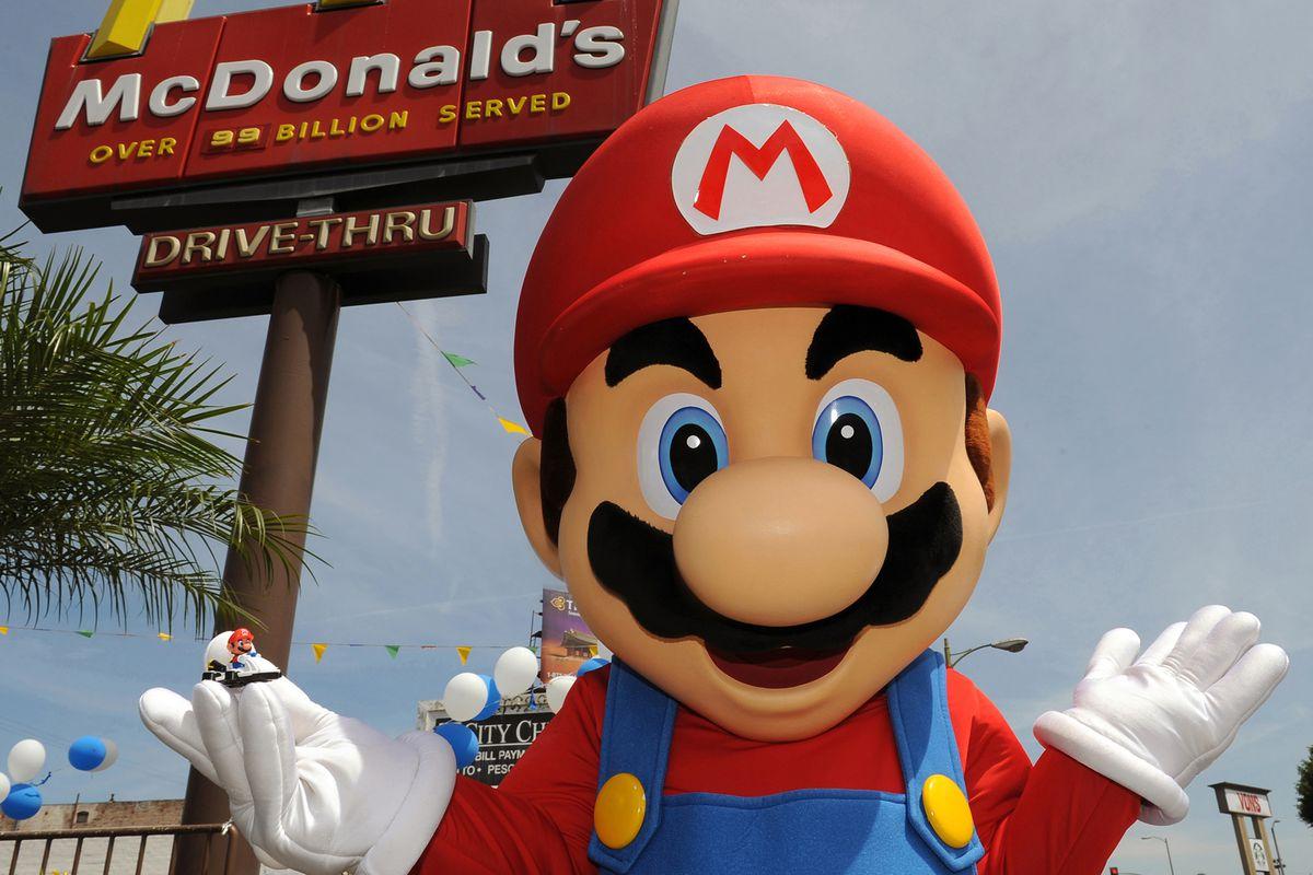 Mario volta ao McDonald's com novos brinquedos