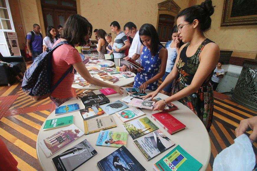 Feiras de troca de livros e games dominam Manaus este fim de semana