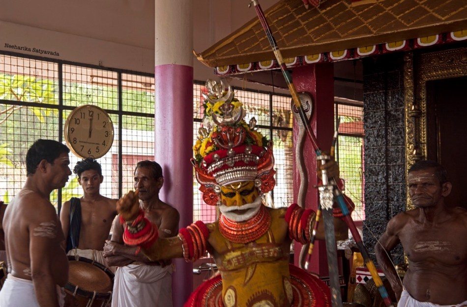Must See Kerala Festivals_Theyyam