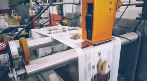Thermal inkjet printing on flexible packaging