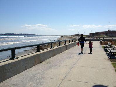 AJ and Sienna headed toward the beach.