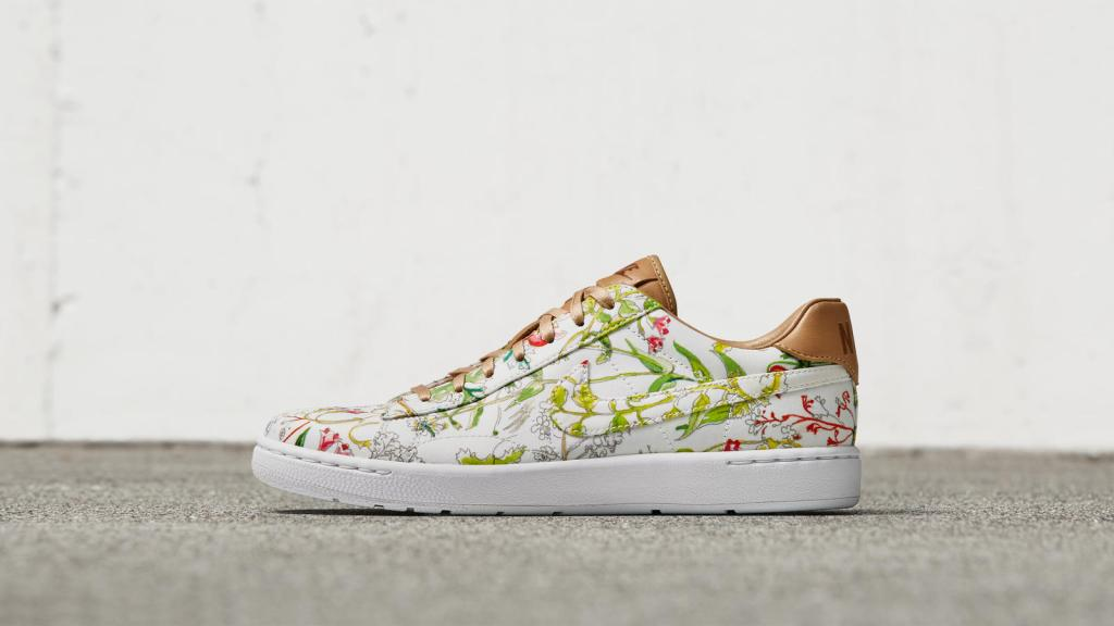 NikeCourt-X-Liberty-Tennis-Classic Maple Mag
